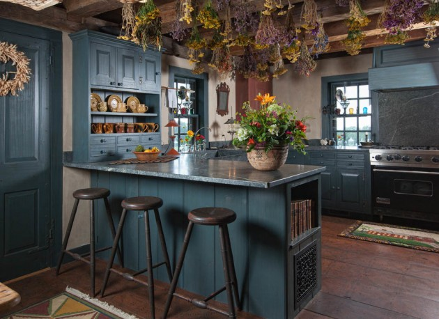 15 lovely farmhouse kitchen interior designs to fall in - Images of farmhouse kitchens ...