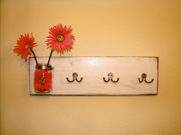 15 Fascinating DIY Wall Hooks That You Will Want To Have