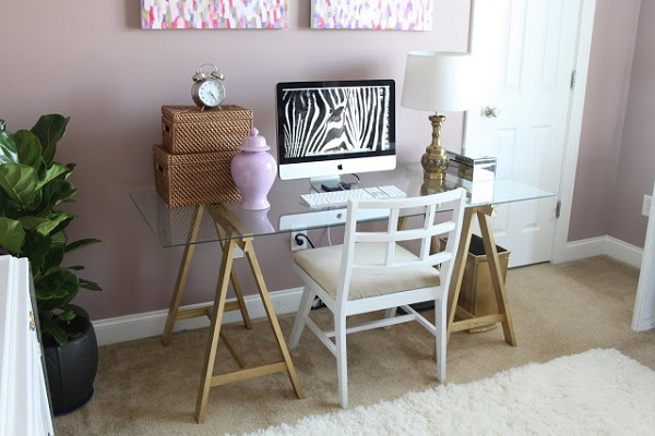 16 Practical DIY Desks For Your Home Office