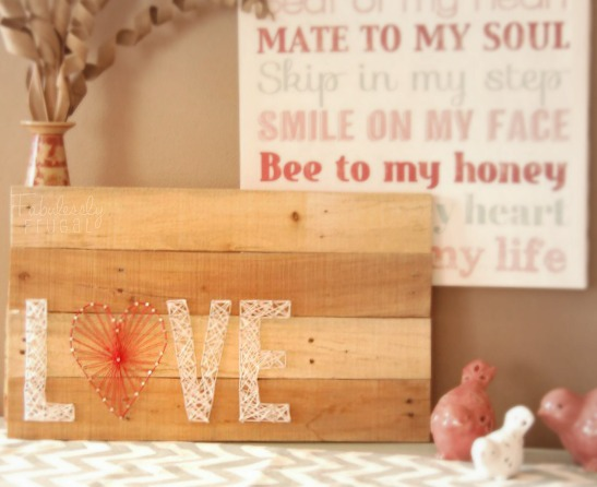 Spectacular DIY Pallet Art: 19 Brilliant Valentines Day Decorations