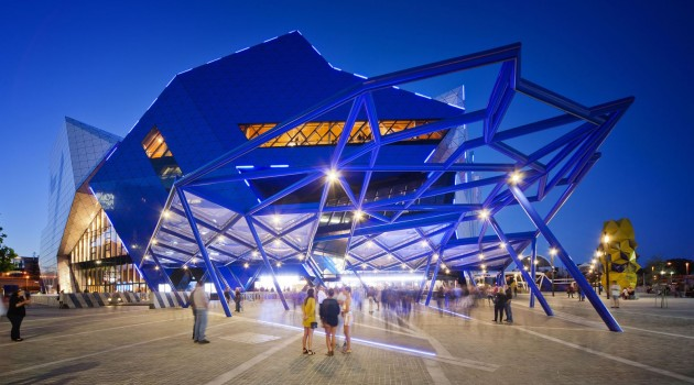 10 Extravagant Architectural Projects That Everyone Must See