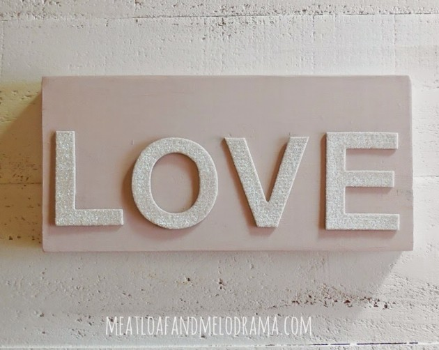 15 Outstanding DIY Love Sign Ideas To Give A Special Charm To Your Home