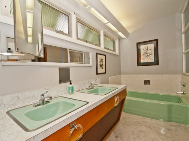20 stylish mid century modern bathroom designs for a for Mid century modern bathroom design