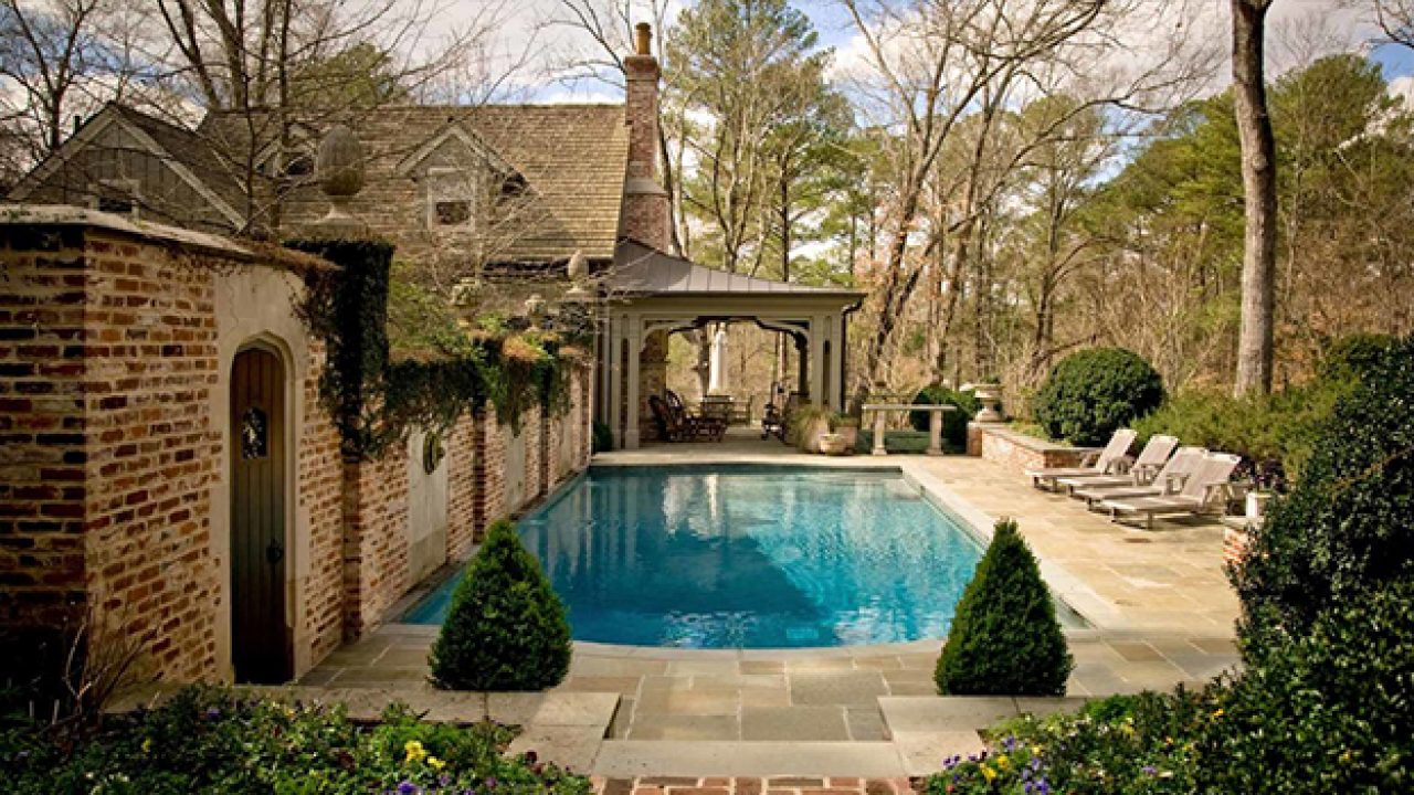 22 Outstanding Traditional Swimming Pool Designs For Any ...