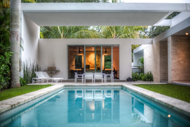 22 Phenomenal Modern Swimming Pool Designs To Enjoy The