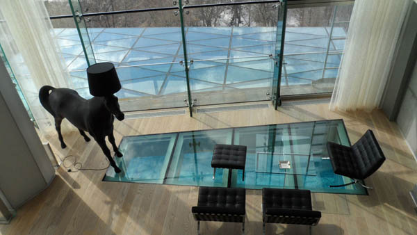 Beautiful Glass Floors To Add A Special Charm To Your Interior