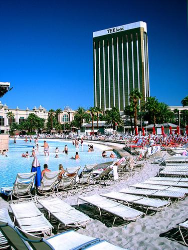 The Top 6 Swimming Pools In Las Vegas