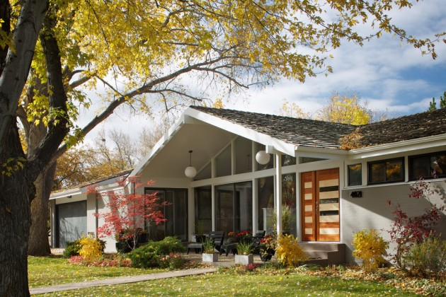 17 Gorgeous Mid-Century Modern Exterior Designs of Homes For The Vintage Style Lovers
