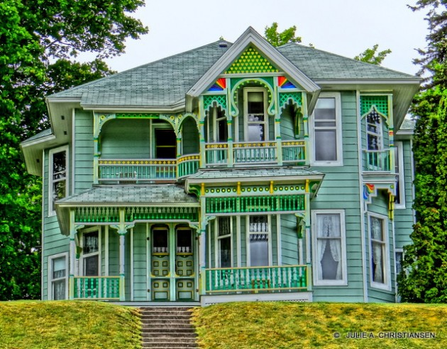 10 Extraordinary Colorful House Designs For All Those Who Think Outside The Box