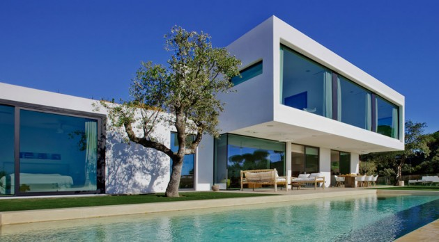 10 jaw dropping luxury villas designs that look like paradise for Ultra modern houses for sale