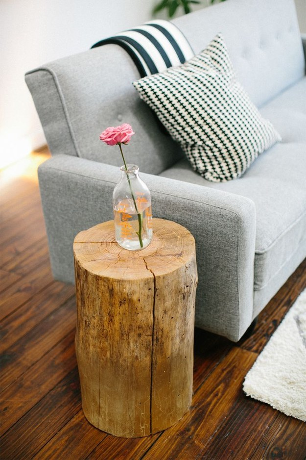 top 19 most fascinating practical diy tree stump table ideas. Black Bedroom Furniture Sets. Home Design Ideas