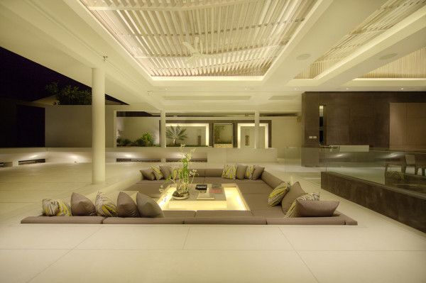 13 Attractive Sunken Areas & Conversation Pit Designs For Real Enjoyment This Spring