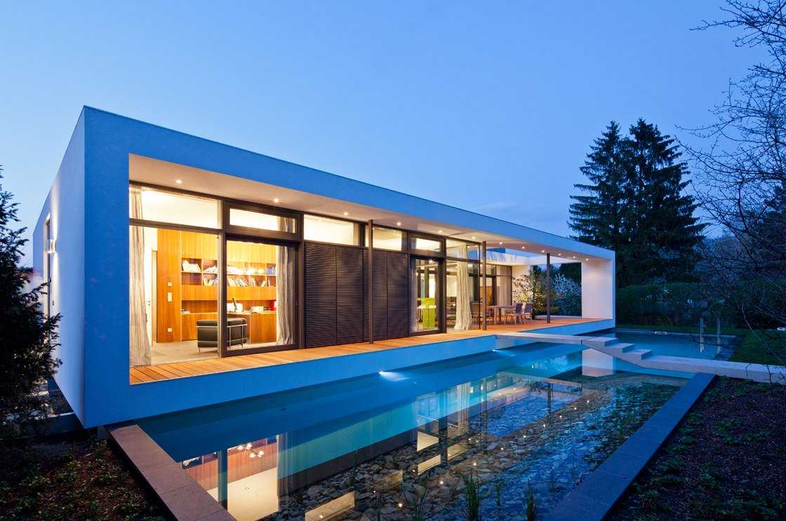 12 most amazing small contemporary house designs for Amazing building designs