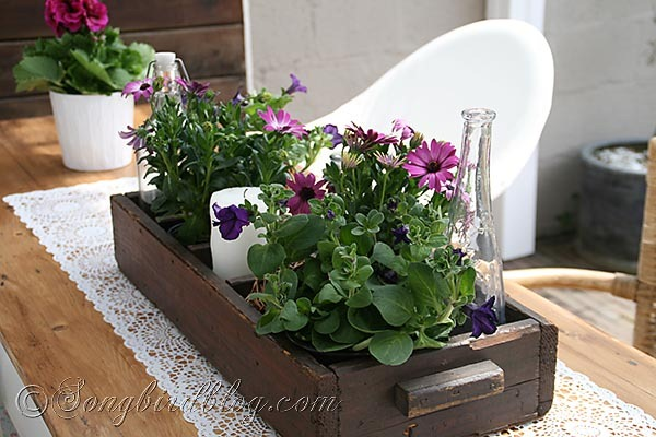 17 Adorable DIY Spring Table Centerpiece Ideas
