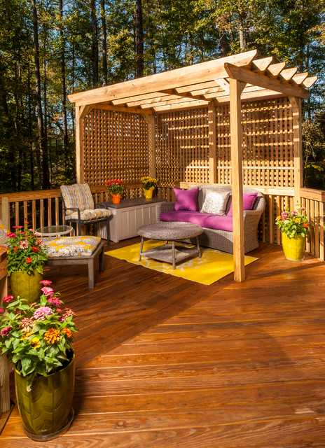 18 effective ideas how to make small outdoor seating area for Small deck seating ideas