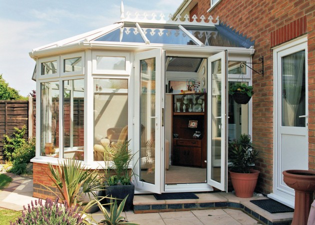 15 Serene Garden Room Designs To Relax In During The Hot Summer Days