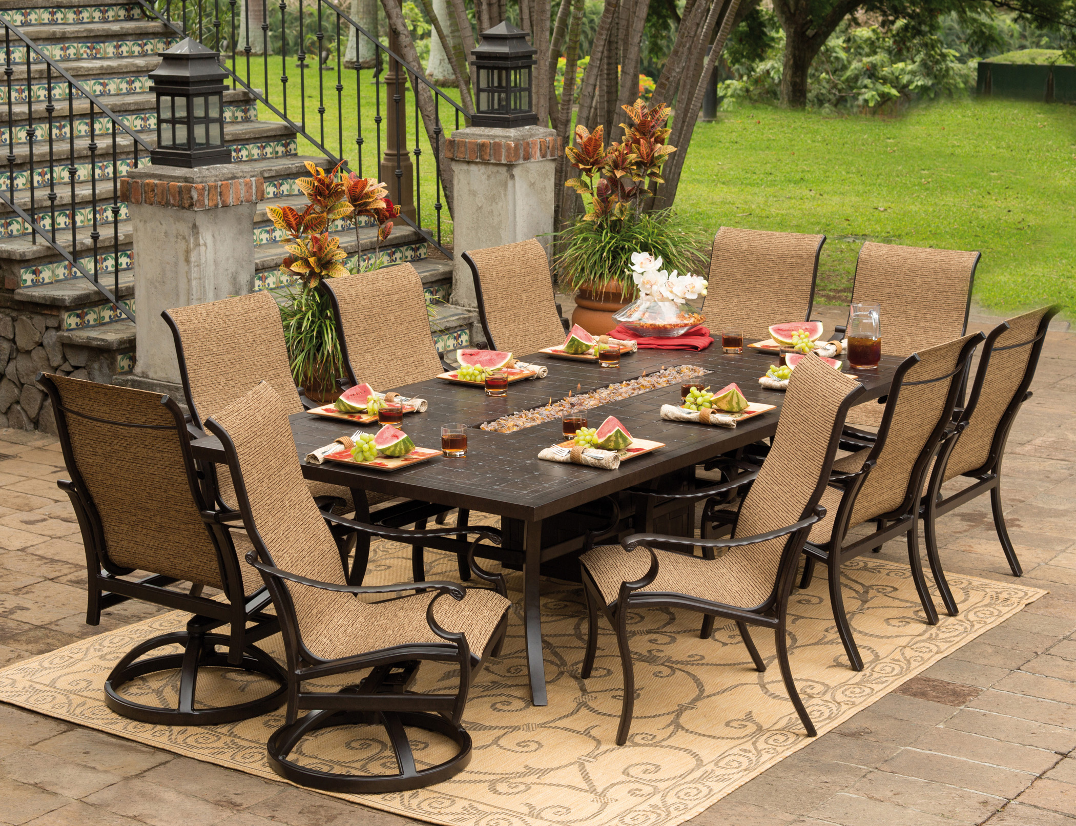 . 18 Fascinating Outdoor Dining Room Design Ideas