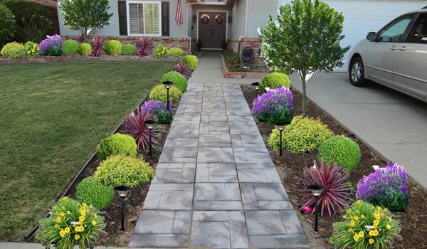 17 Tempting Front Yard Landscape Ideas For A Good Impression