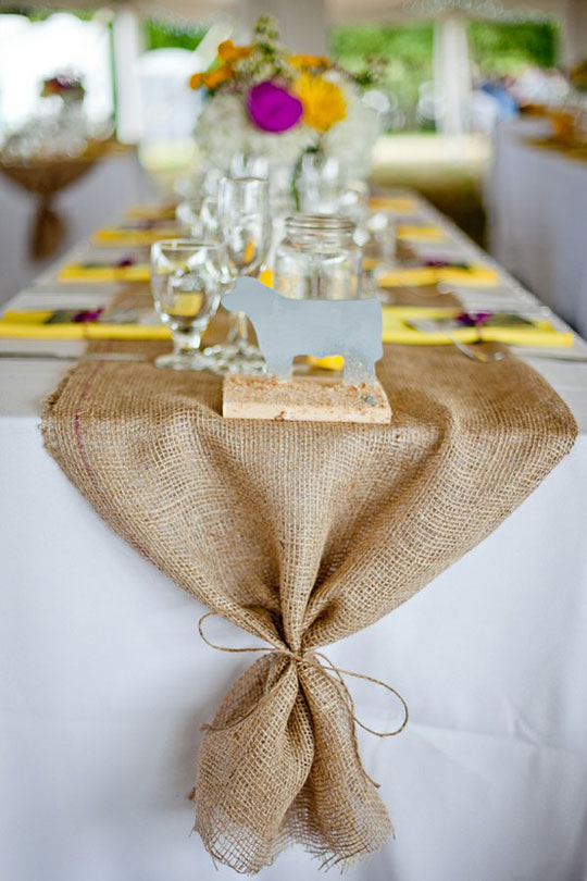 10 Delightful DIY Burlap Decorations To Beautify Your Home This Spring