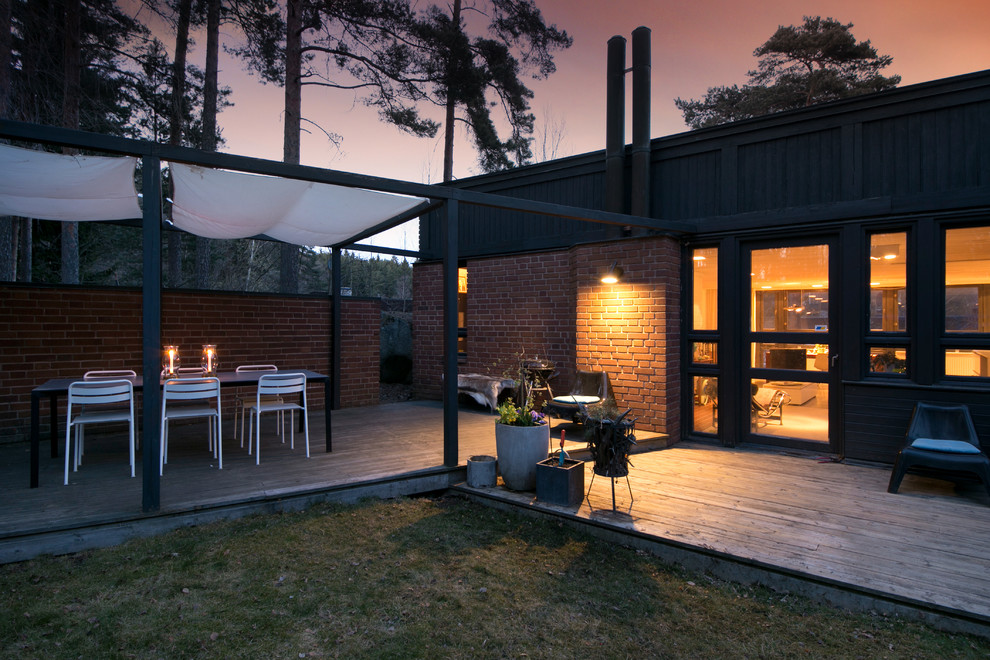 15 Awesome Scandinavian Garden & Patio Designs For Your ... on Landscape Design Patio id=82501