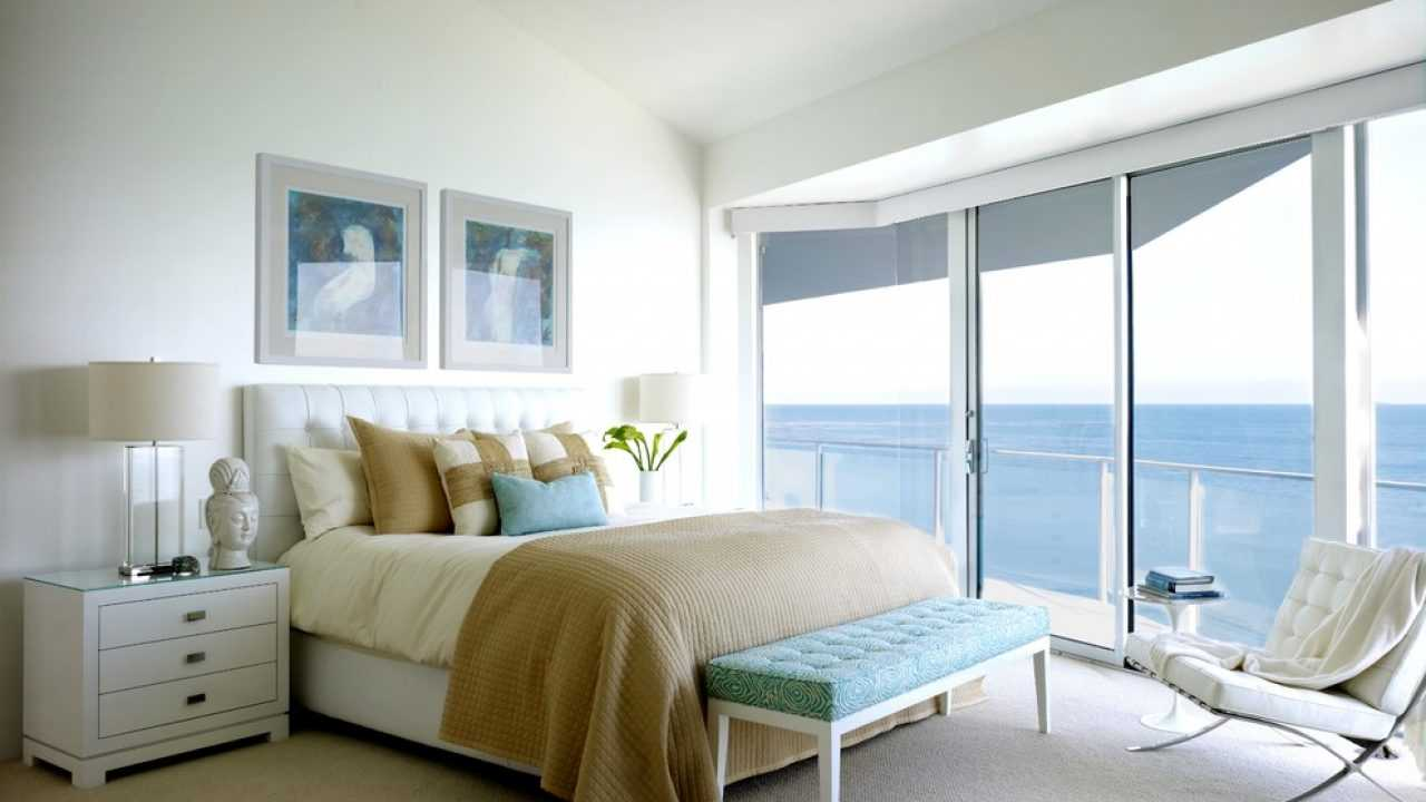 16 Soothing Coastal Bedroom Designs Are The Perfect Place To Wake
