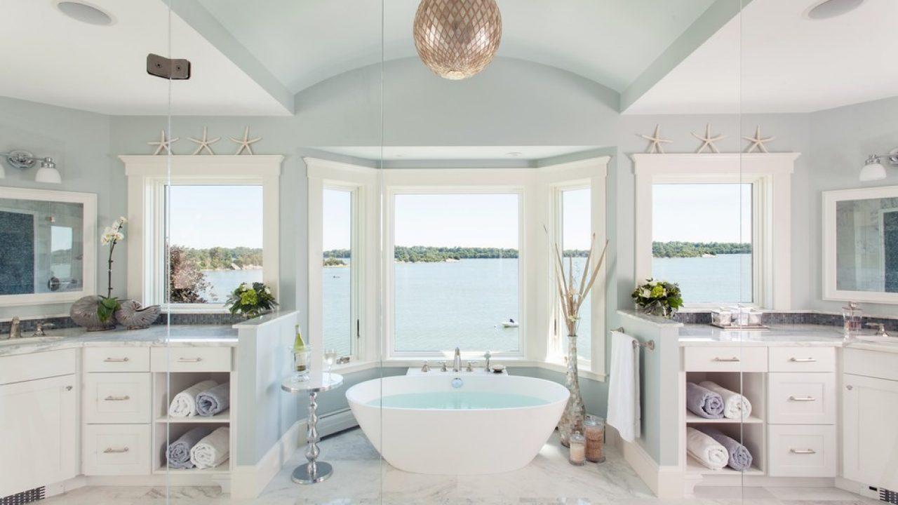 17 Beautiful Coastal Bathroom Designs
