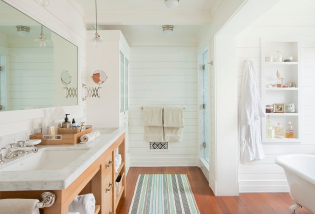 17 beautiful coastal bathroom designs your home might need for Beach cottage bathroom ideas