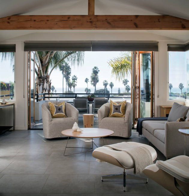 Condo Living Design Ideas: 18 Tranquil Coastal Living Rooms To Ensure Your Comfort