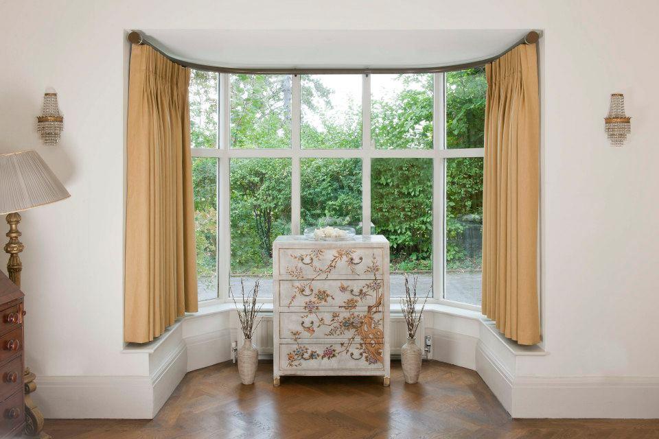 Bay Window Curtains Living Room Ideas