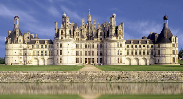 10 Amazingly Awesome Old Castles Around The World