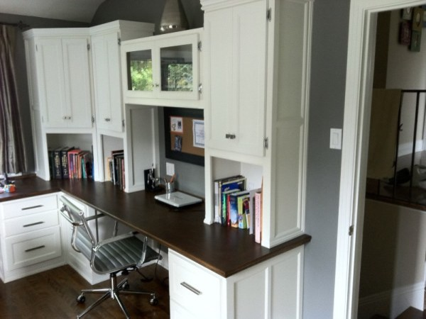 17 Functional Small Built-In Work Table Design Ideas