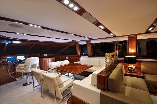 15 Extravagant Yacht Interior Design Ideas