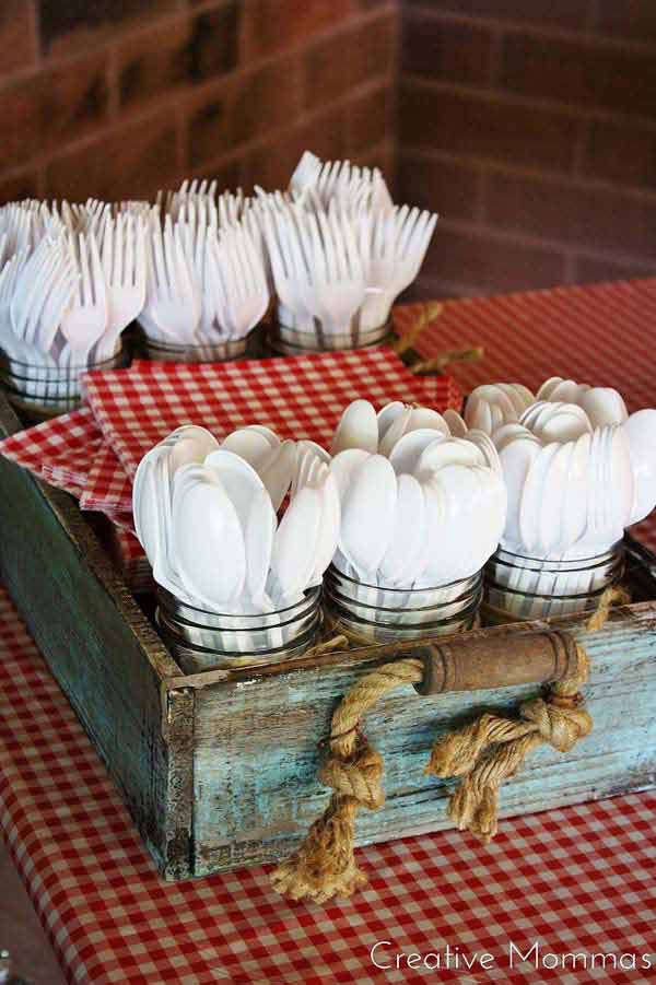 16 Innovative DIY Cutlery Holder Designs
