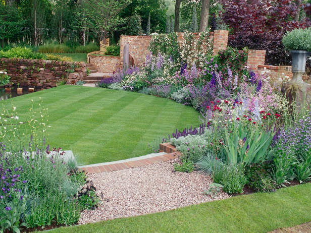 16 Simple But Beautiful Backyard Landscaping Design Ideas on Simple Small Backyard Ideas id=98809
