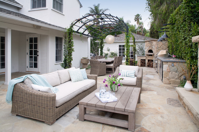 16 Sensational Traditional Patio Designs To Sparkle Up Your Garden With