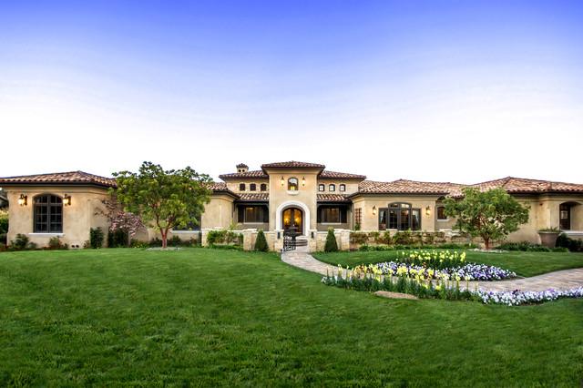 18 Dashing Mediterranean Residence Exterior Designs That Will Impress You