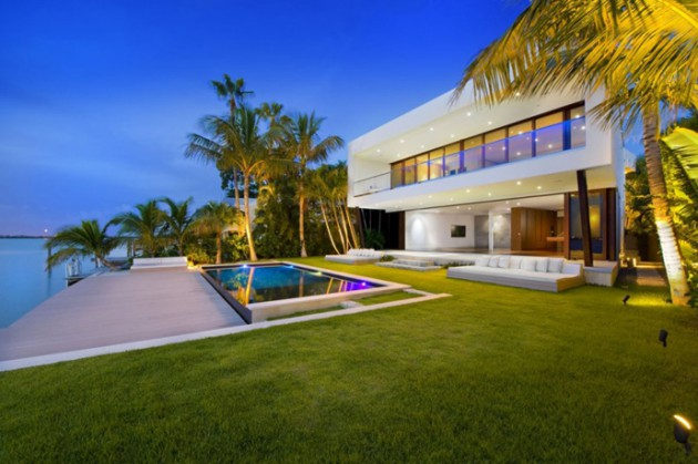 10 Attractive Beach House Design Ideas That Will Leave You Speechless