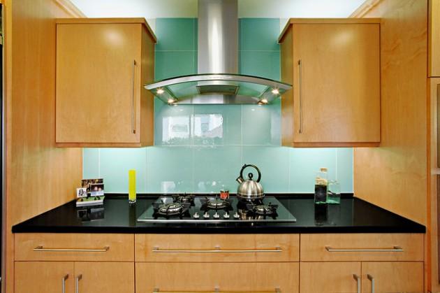 20 Truly Amazing Glass Backsplash Ideas For Your Dream Kitchen