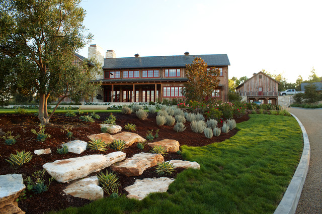 17 Spectacular Rustic Landscape Designs That Will Leave