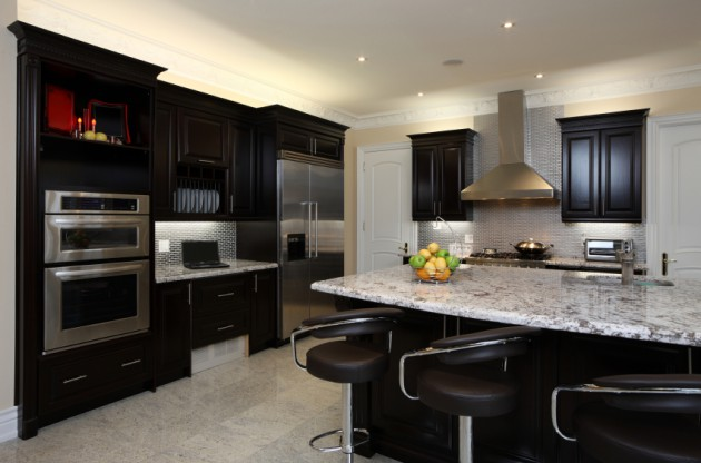 16 Dramatic Dark Kitchen Design Ideas
