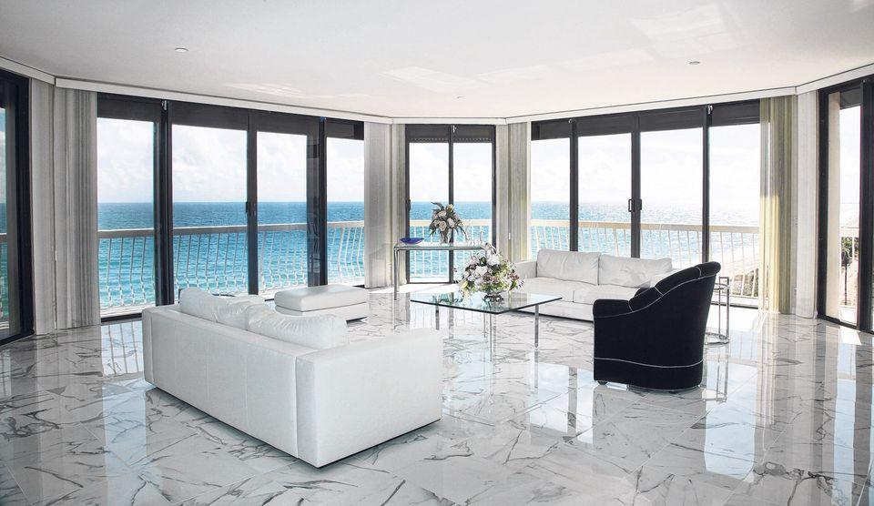 19 ravishing ocean front living room design ideas for Front room design ideas
