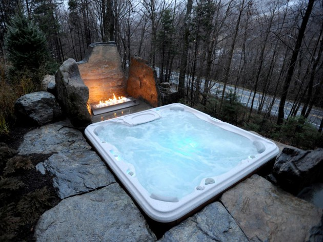 17 Divine Outdoor Tubs For Real Enjoyment