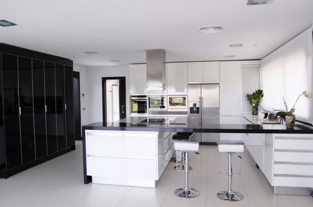 16 Timeless Black White Kitchen Designs For Every Modern Home