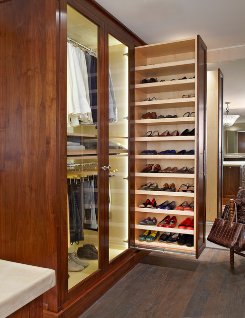 18 Irresistible Traditional Closets That Will Catch Your Eye