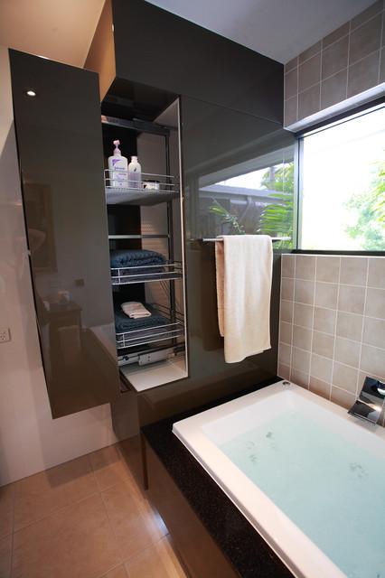 17 Genius Ideas For Extra Storage In The Bathroom