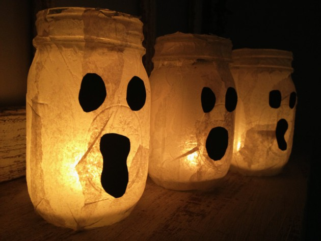 17 Scary Handmade Halloween Mason Jar Decorations With Lots of DIY Ideas