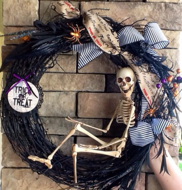 17 Spooky Handmade Halloween Decorations That Can Make
