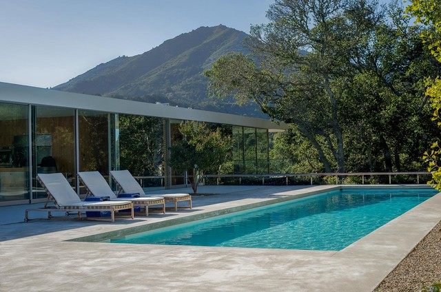 20 Unbelievable Modern Swimming Pool Designs You're Going To Fall For