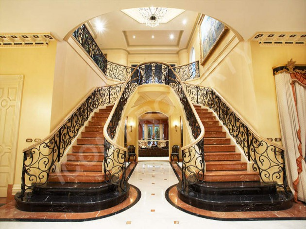 12 Glorious Mansion Staircase Designs That Are Going To Fascinate You