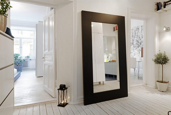 17 Stunning Interiors With Big Mirrors